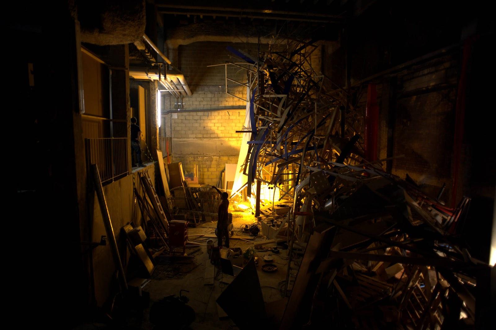Bordel monstre sculpture architecturale interactive for Archi monstre
